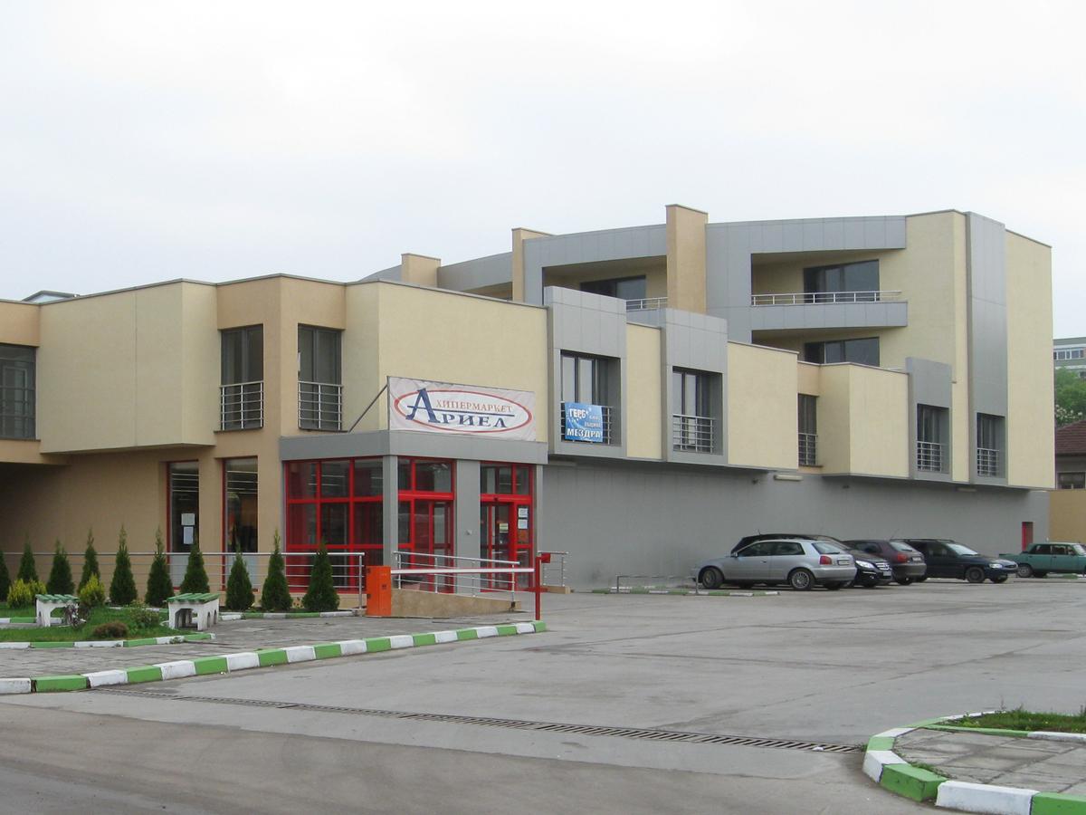 Ξενοδοχείο Ariel, Mezdra